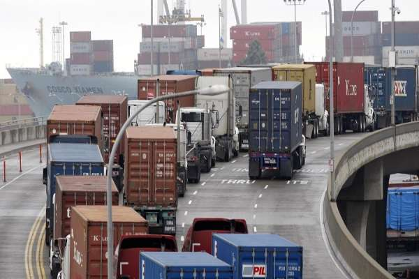 Nhận vận chuyển container 2 chiều TPHCM - Hà Nội giá rẻ