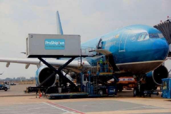 Giao hàng bưu kiện nhanh hỏa tốc bằng máy bay tại HCM