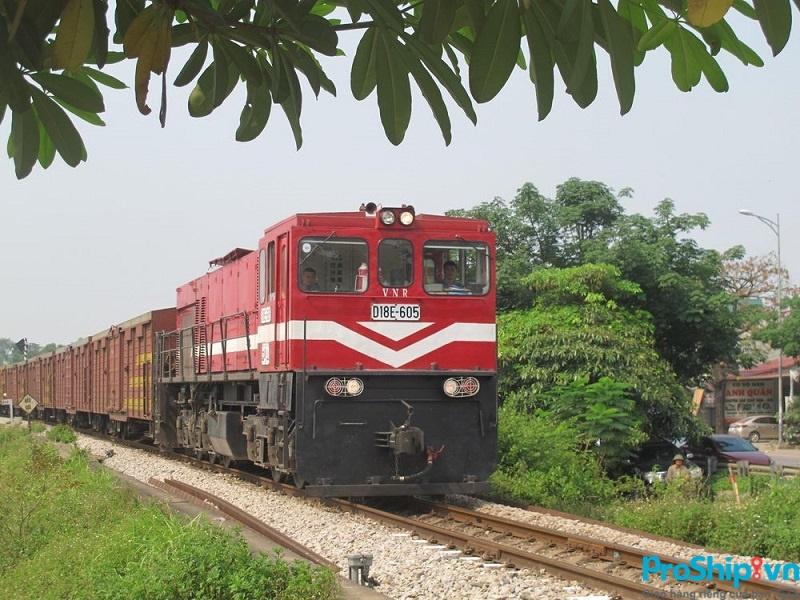 Tìm hiểu những khó khăn, bất cập trong vận chuyển hàng hóa đường sắt