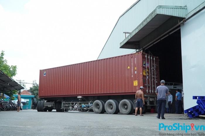 Nên lựa chọn vận chuyển hàng hóa bằng Container đường biển, đường bộ hay đường sắt?