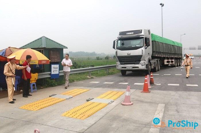 Trọng tải của xe là gì? Phân biệt giữa tải trọng và trọng tải